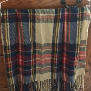 Plaid multicolor scarf with tassels lightweight
